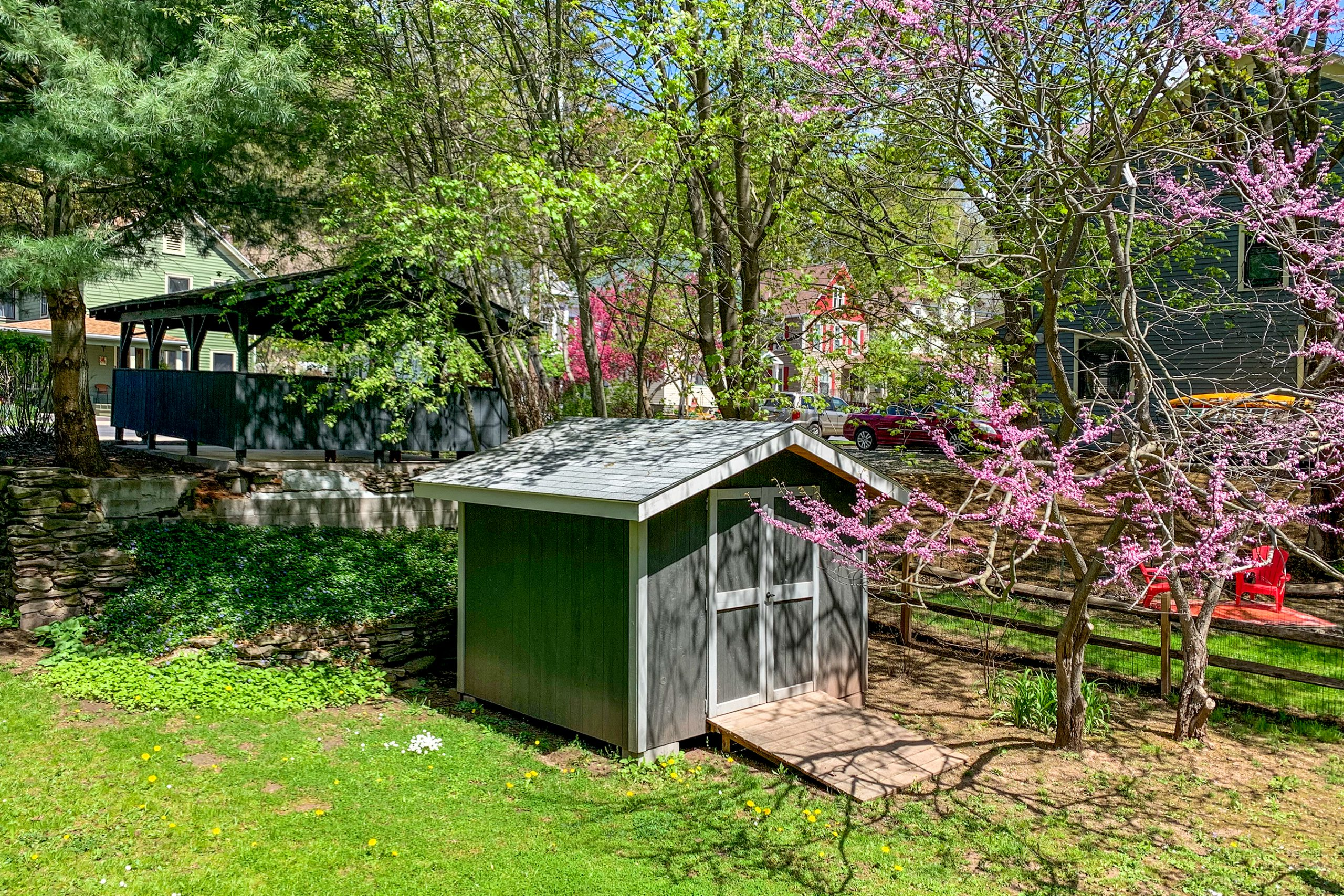 Large Private Yard - 5 Orchard Street